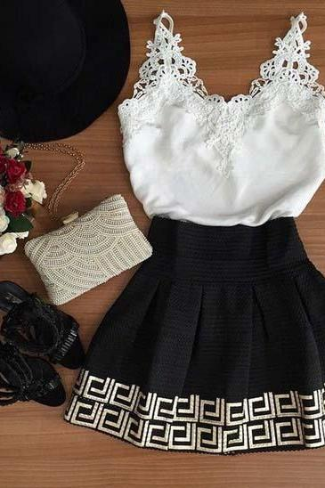 Vintage White and Black V-neck Sleeveless Dress